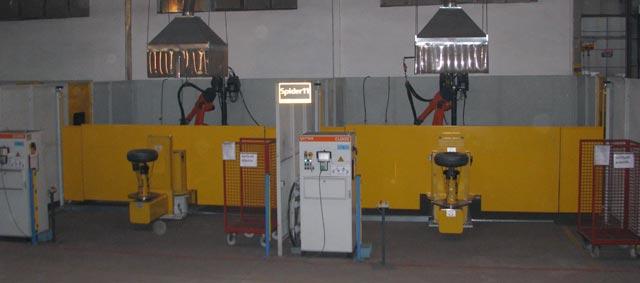 Fase processo produttivo 05-robot-di-saldatura-del-serbatoio
